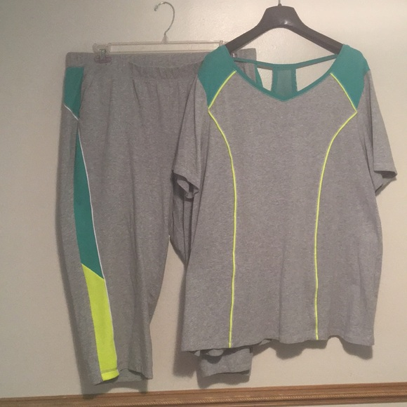 c57518738be6 Catherines Other | Fun Summer Sporty Capris Activewear Set Plus ...